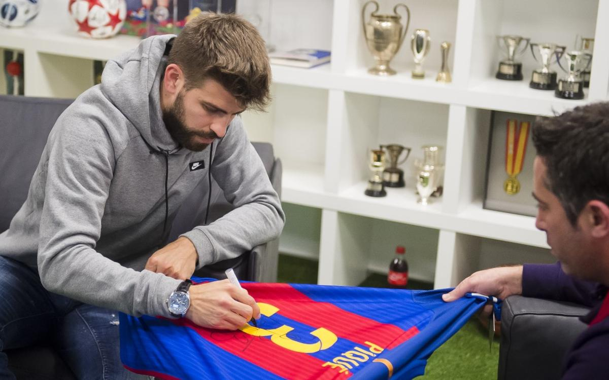 Win an official Barça jersey signed by Gerard Piqué