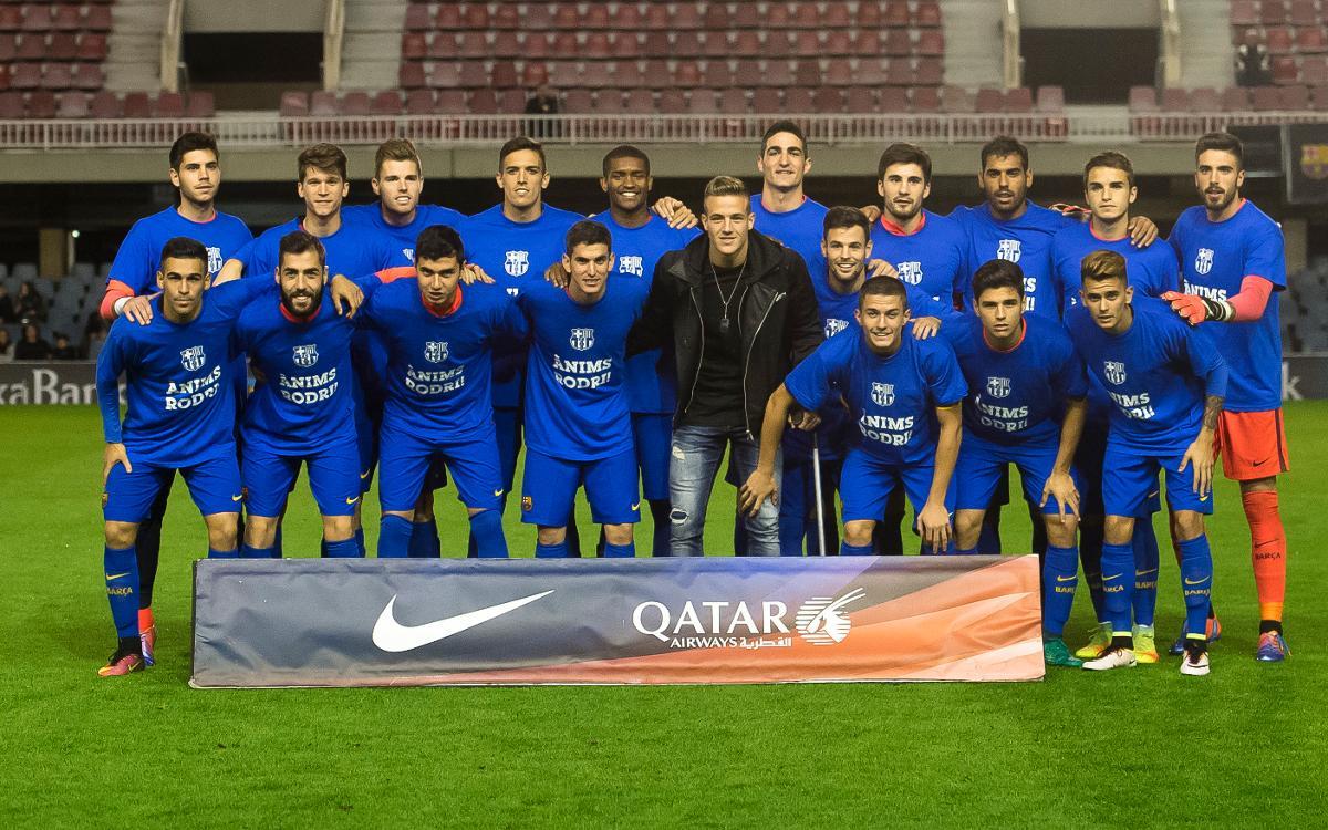 El Barça B, con camisetas de apoyo a Rodrigo Tarín