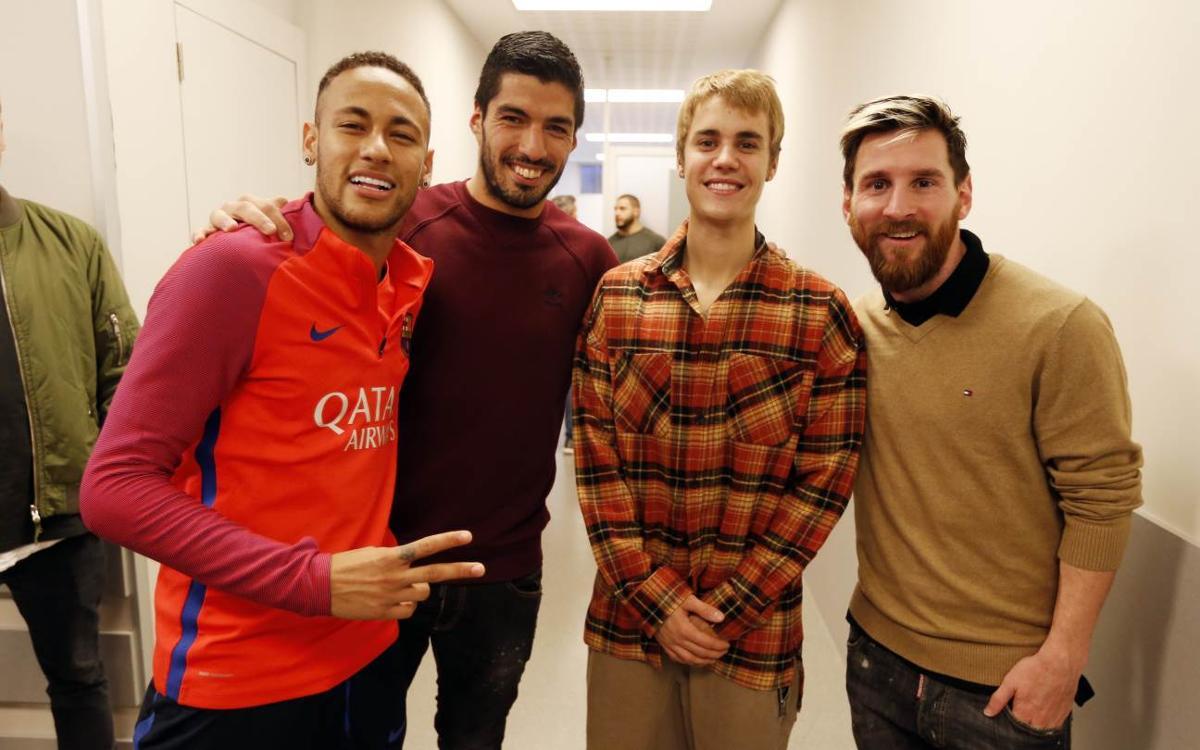 Justin Bieber visita el entrenamiento del FC Barcelona
