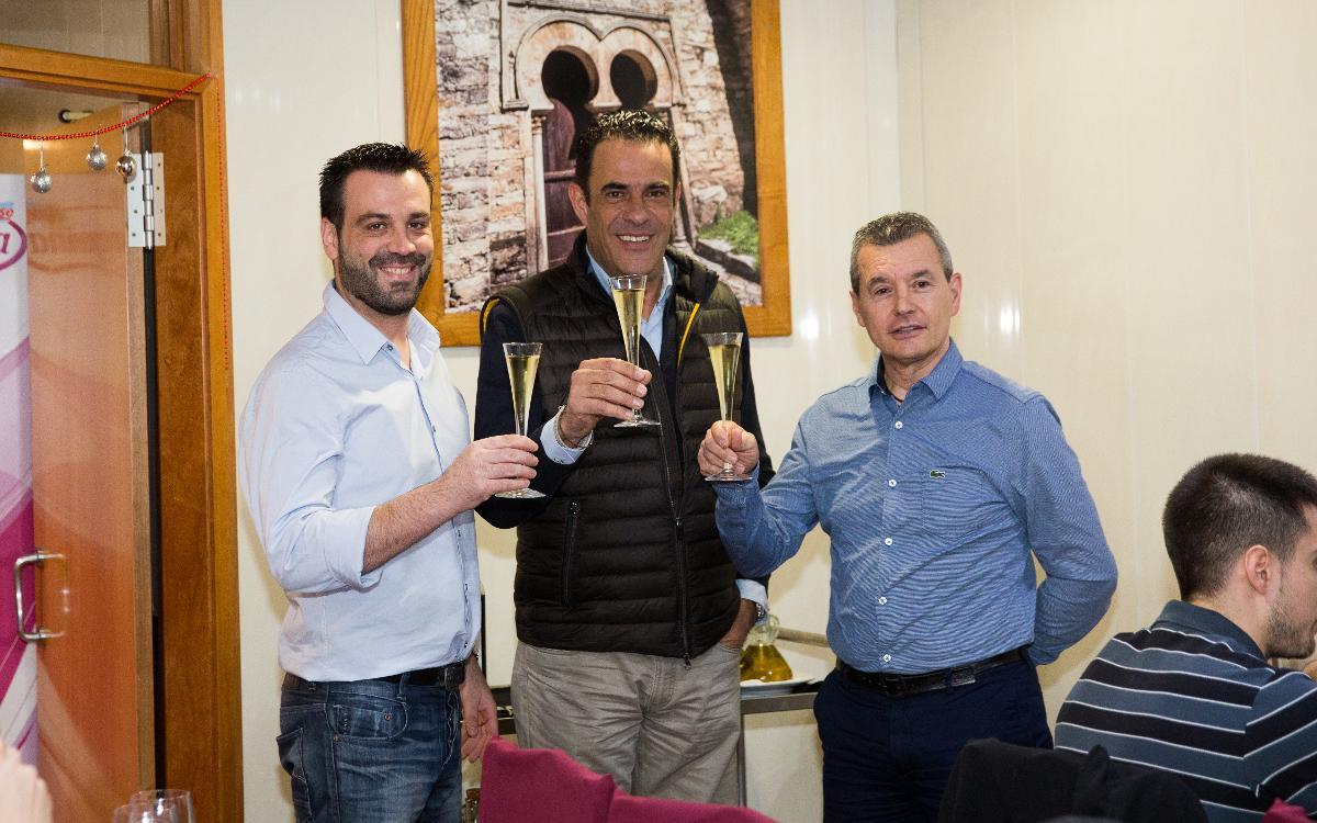El Barça Lassa vuelve al trabajo celebrando la comida de Navidad