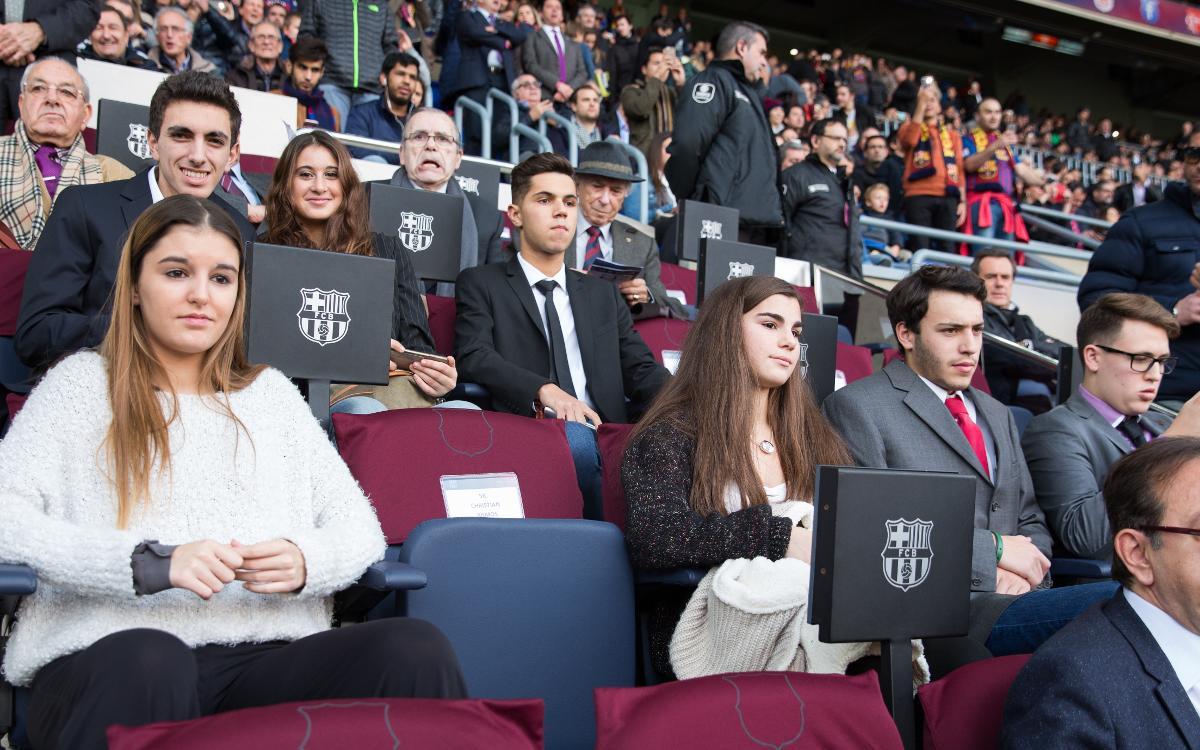 Deu joves socis seguiran el Barça-Espanyol des de la llotja presidencial del Camp Nou