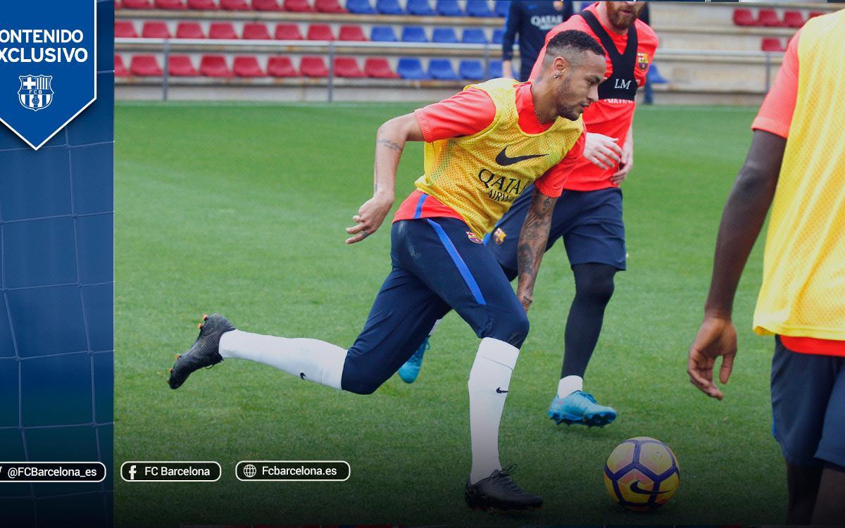 El espectacular partido de entrenamiento entre los jugadores del FC Barcelona