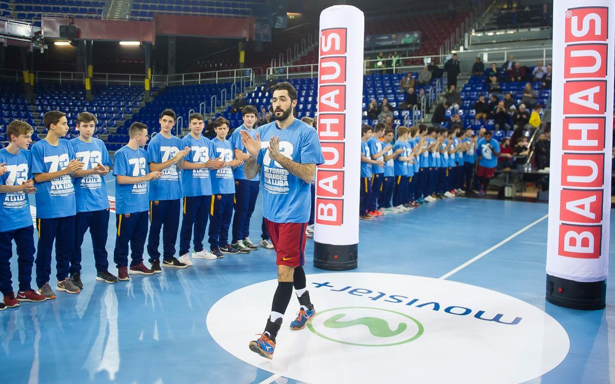 Participa a la festa dels 100 triomfs del Barça d'handbol