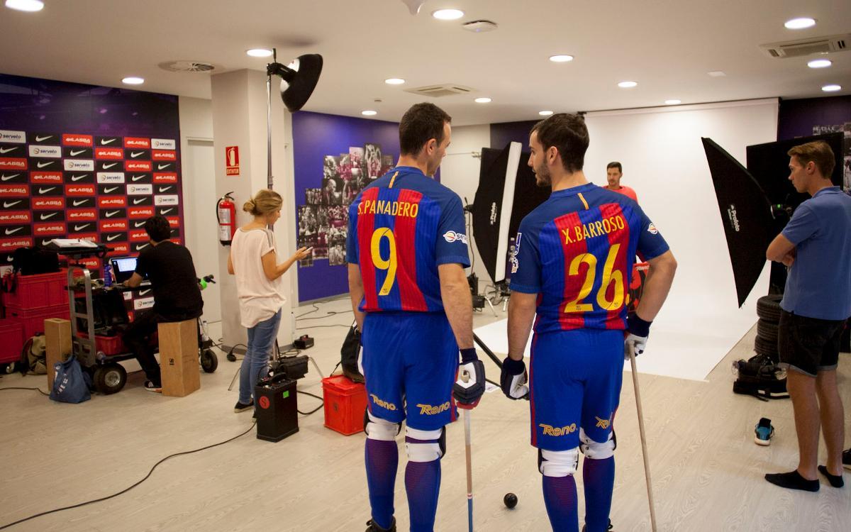 La sessió de fotos del Barça Lassa d'hoquei, en un minut