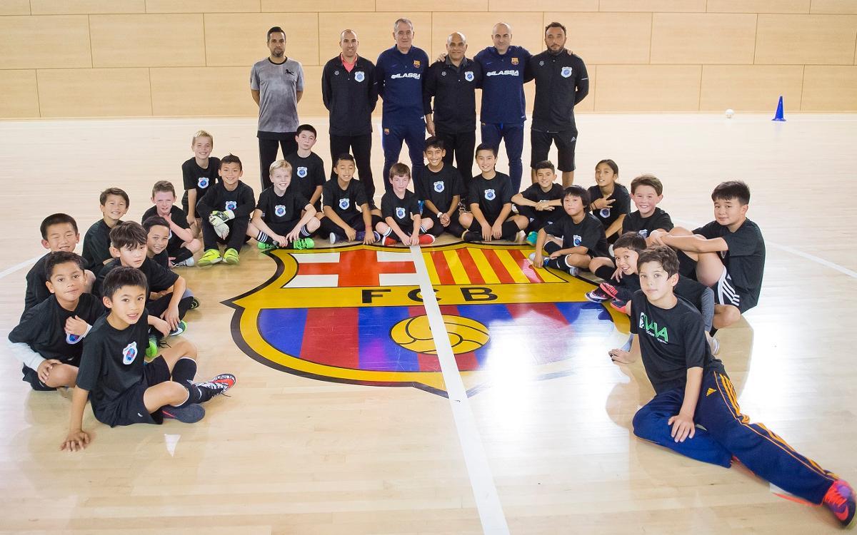 Clínic d'Andreu Plaza i Miguel Andrés amb la World United Futsal Academy