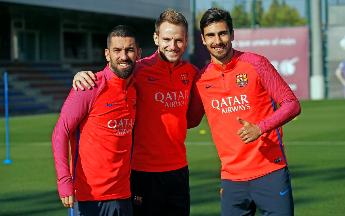 FC Barcelona manager Luis Enrique welcomes three more players back to training