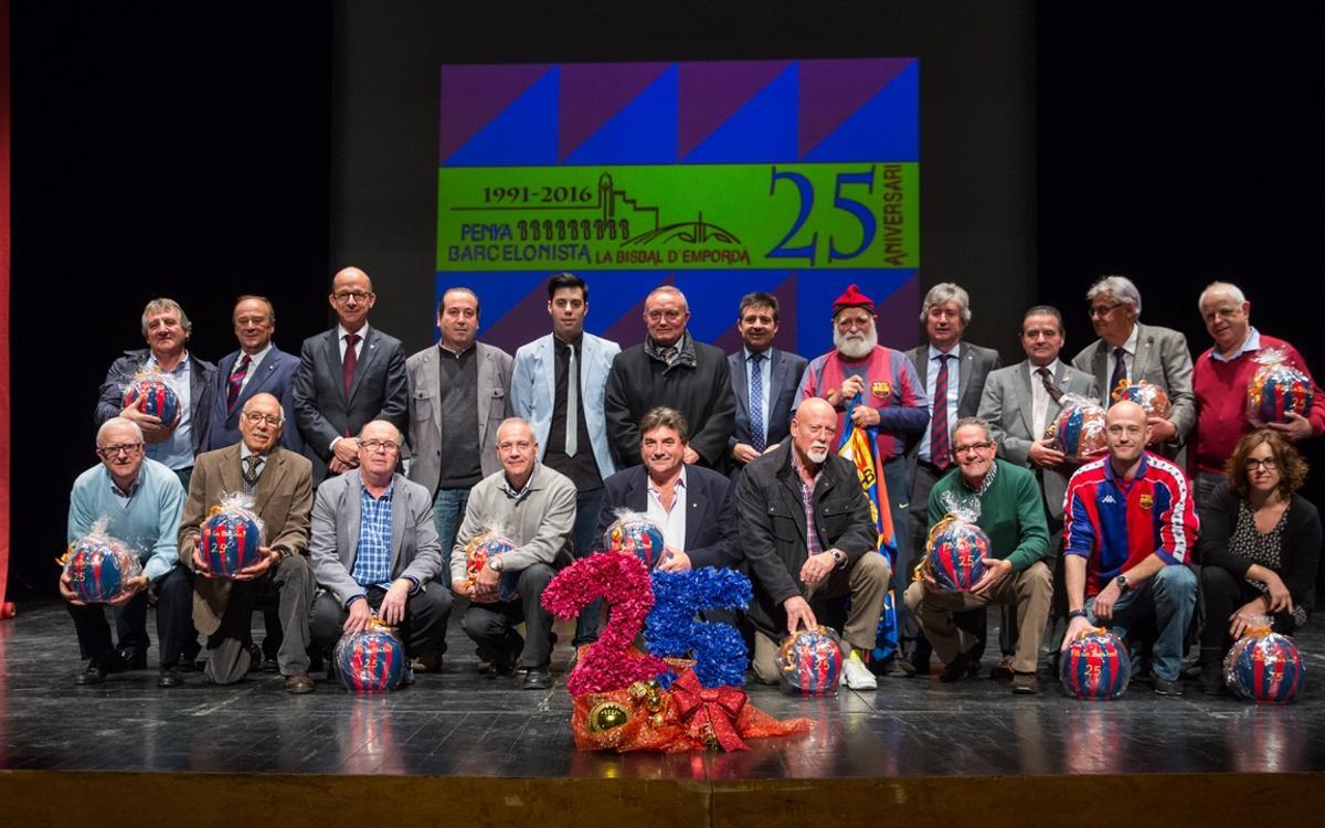 Multitudinaria celebración de los 25 años de la PB de la Bisbal d'Empordà