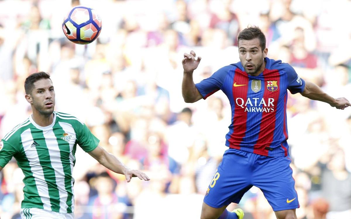 Jordi Alba delighted with the signing of Paco Alcácer