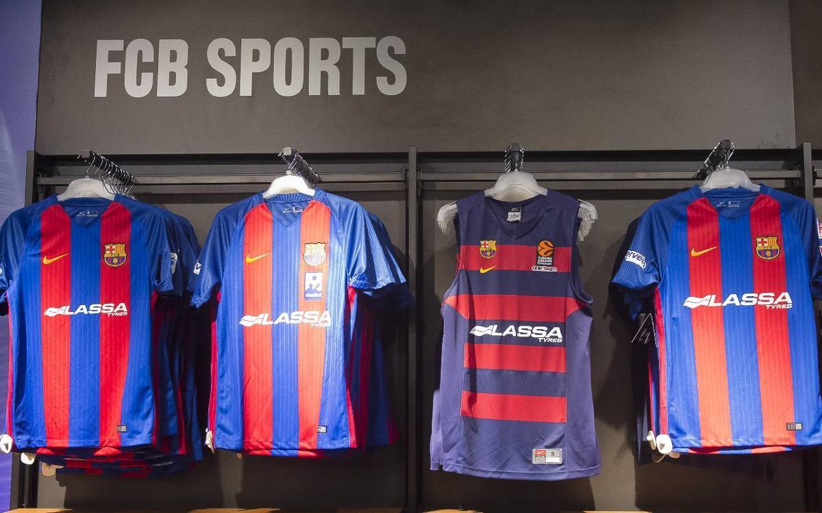 Les noves samarretes de les seccions professionals estan a la venda a l'FCBotiga del Camp Nou