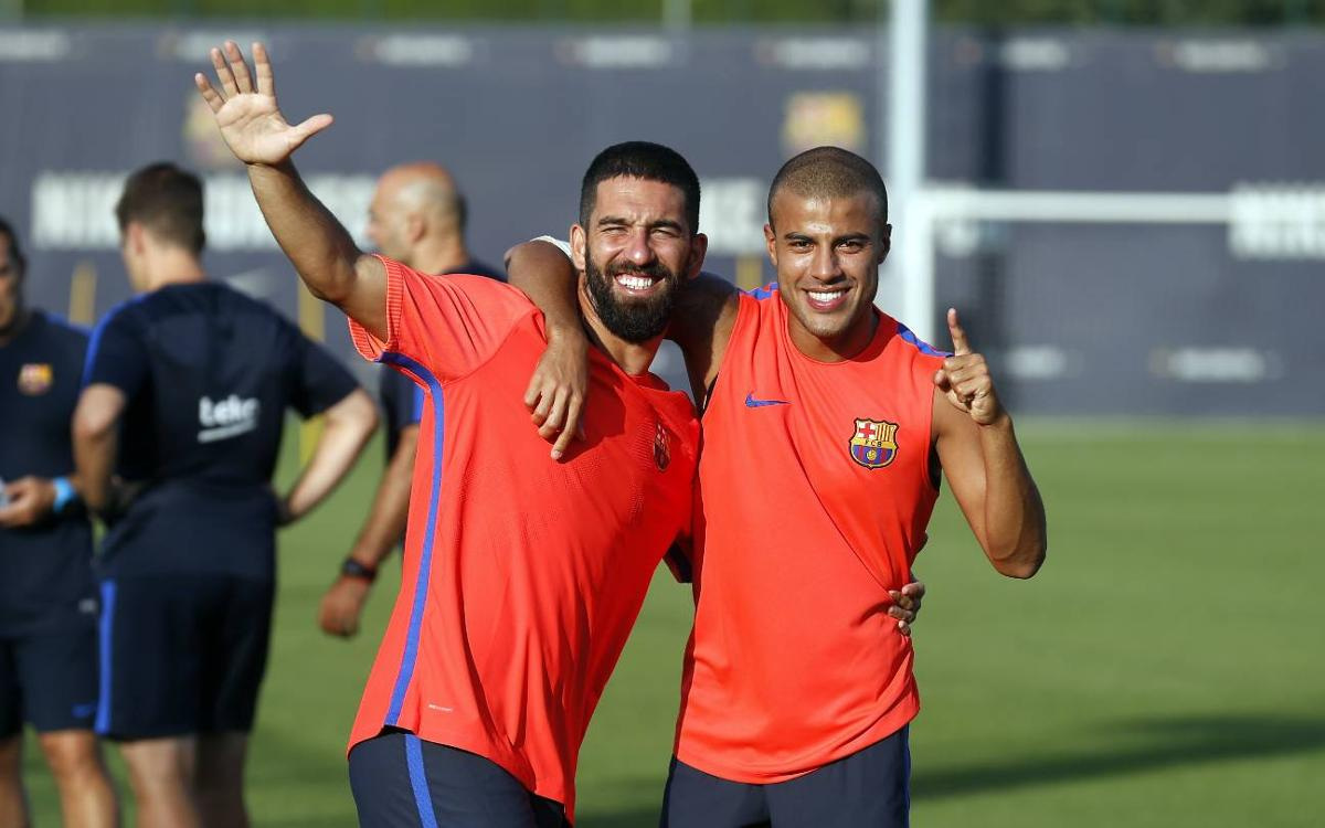 FC Barcelona first team back at work