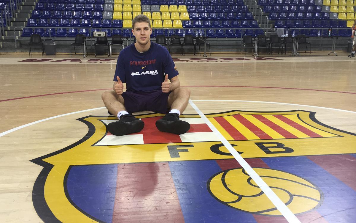 Sasha Vezenkov se reincorpora al Barça Lassa y viajará a Atenas