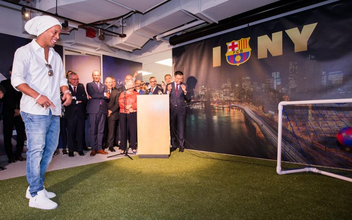ロナウジーニョのゴールでFCバルセロナ、ニューヨークオフィス幕開け