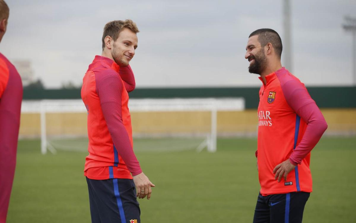 Training resumes at FC Barcelona ahead of Deportivo visit