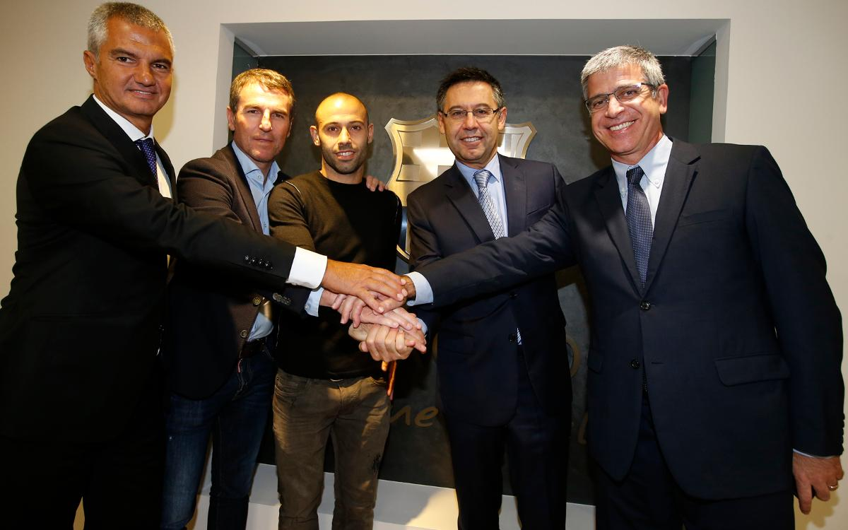 Mascherano signs contract extension, to stay with FC Barcelona through the 2018/19 season
