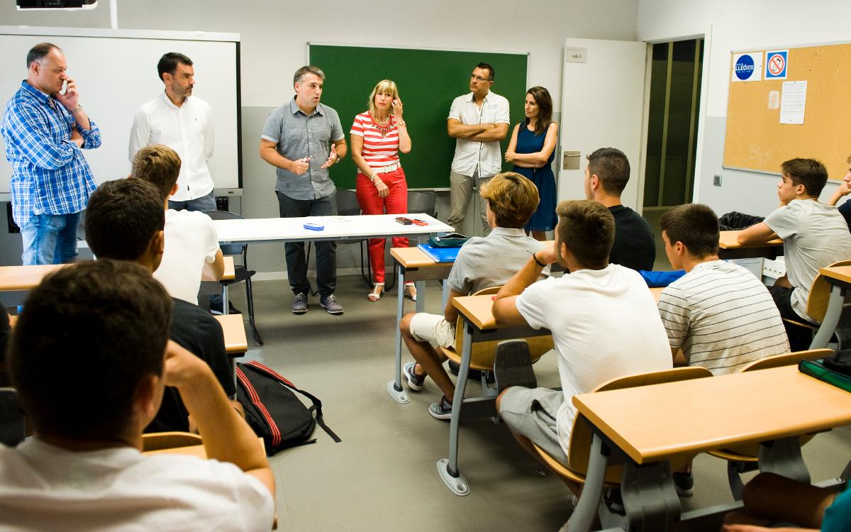 Empieza el curso escolar en la Masía