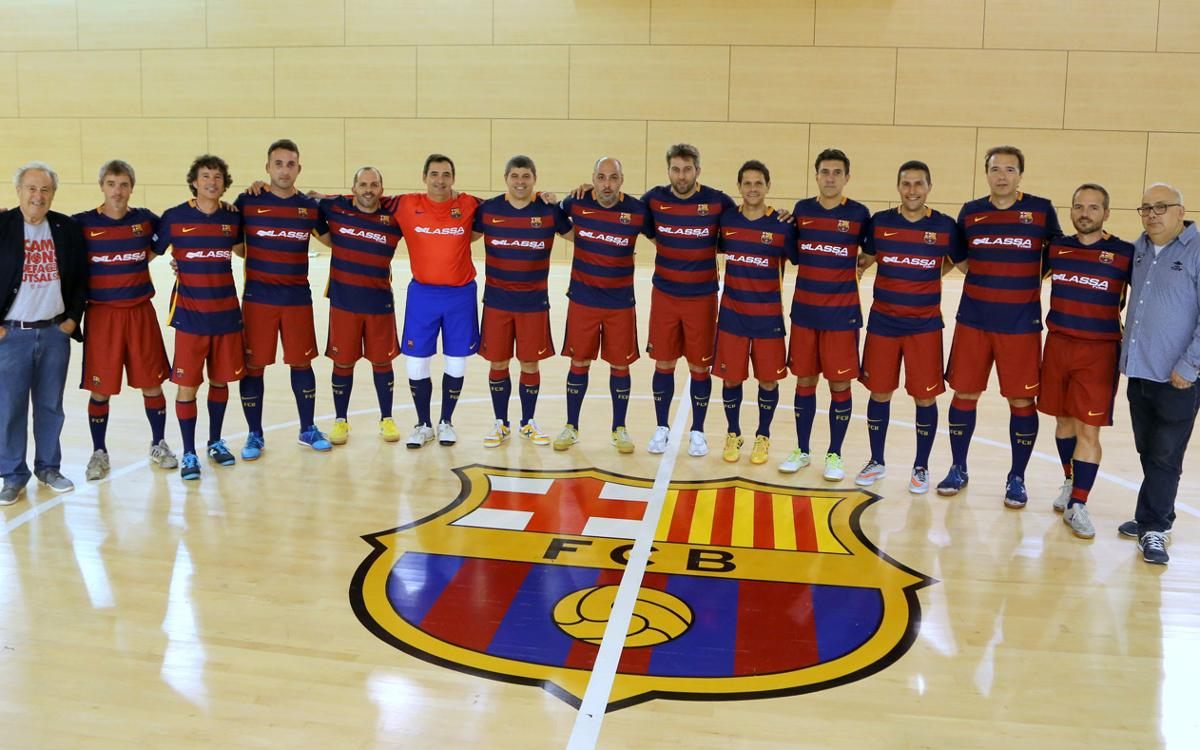Los exjugadores del Barça de fútbol sala, en acción