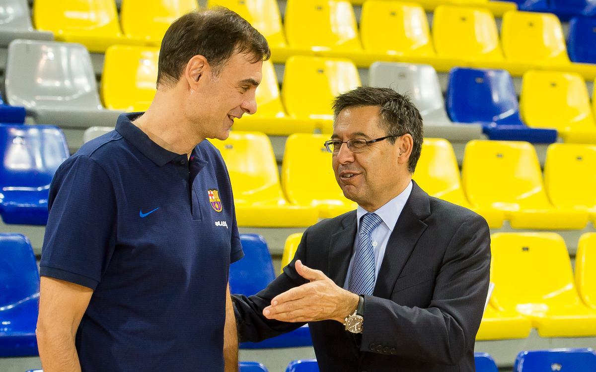 Bartomeu, con el equipo de baloncesto