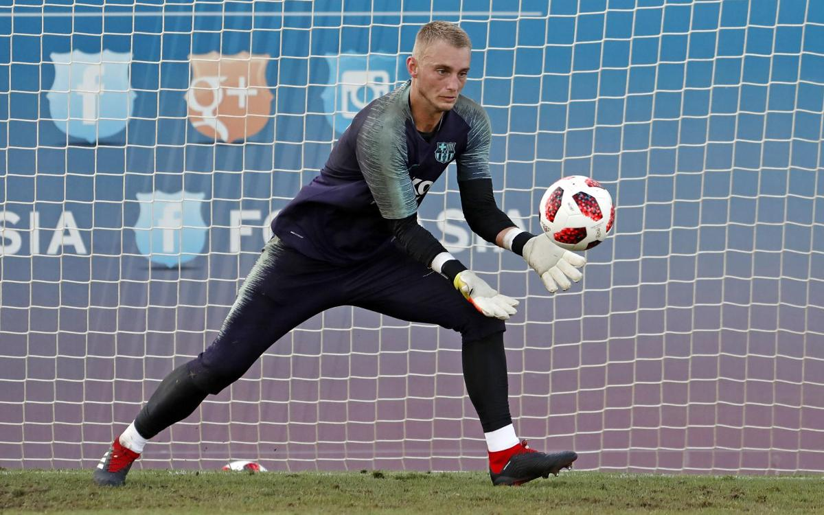 Jasper Cillessen, out against Valladolid