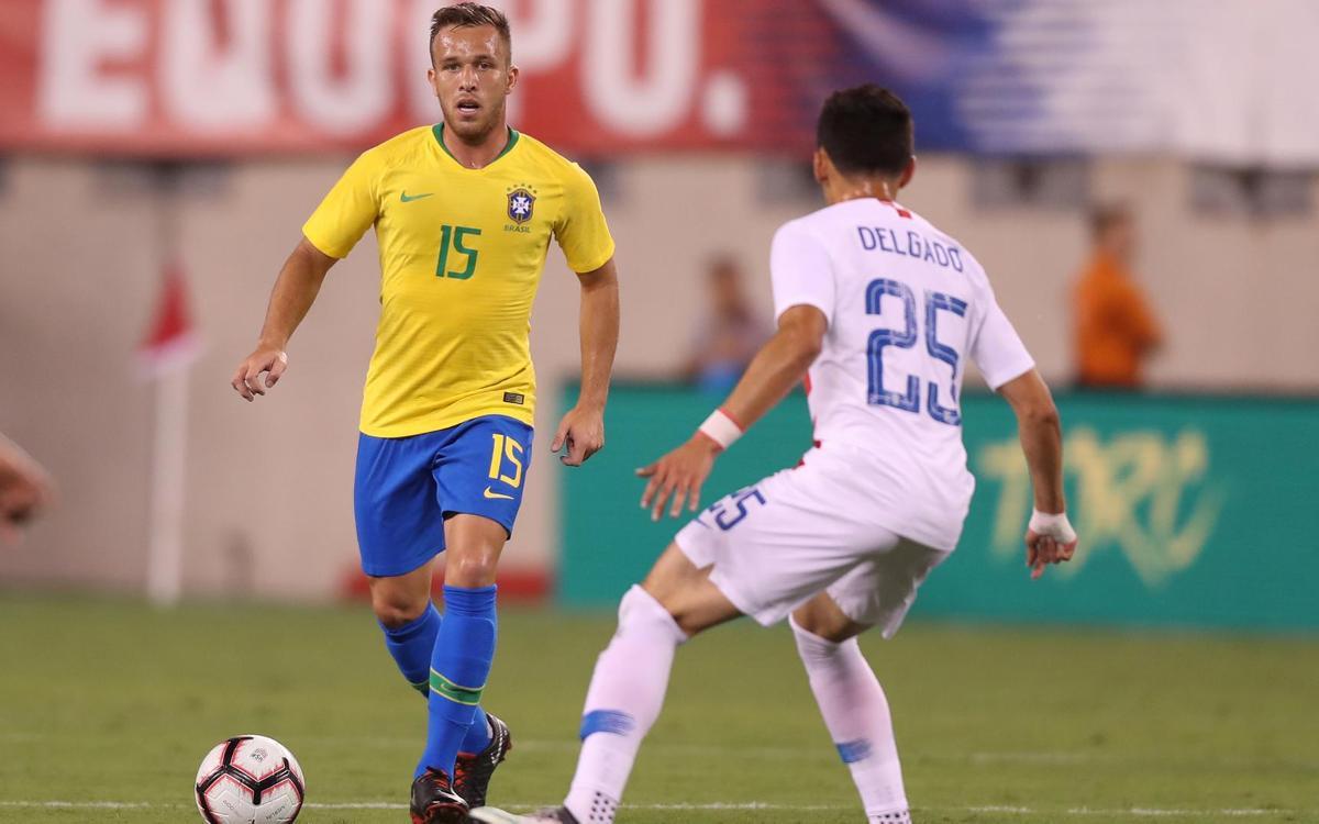 Arthur debuta amb la selecció brasilera