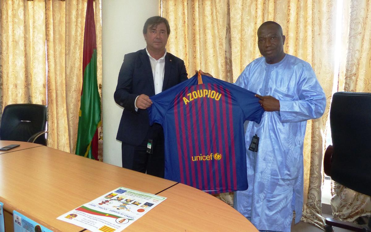 La Federación de Peñas del Barcelonès Est realiza su segundo viaje solidario a Burkina Faso