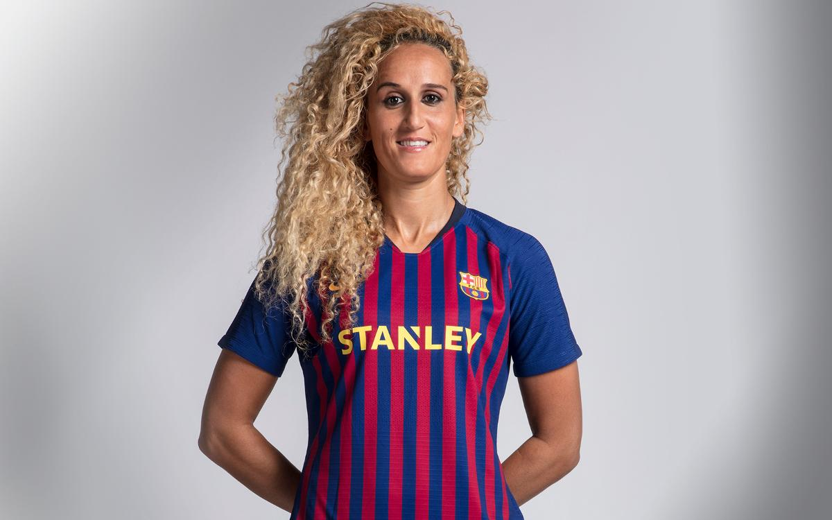 The 29-year old daughter of father (?) and mother(?) Kheira Hamraoui in 2019 photo. Kheira Hamraoui earned a  million dollar salary - leaving the net worth at  million in 2019