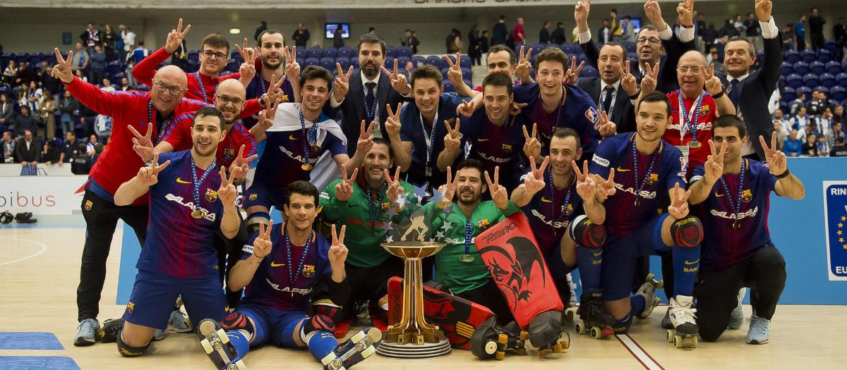 The Barça roller hockey team celebrating the European League victory in 2017/18