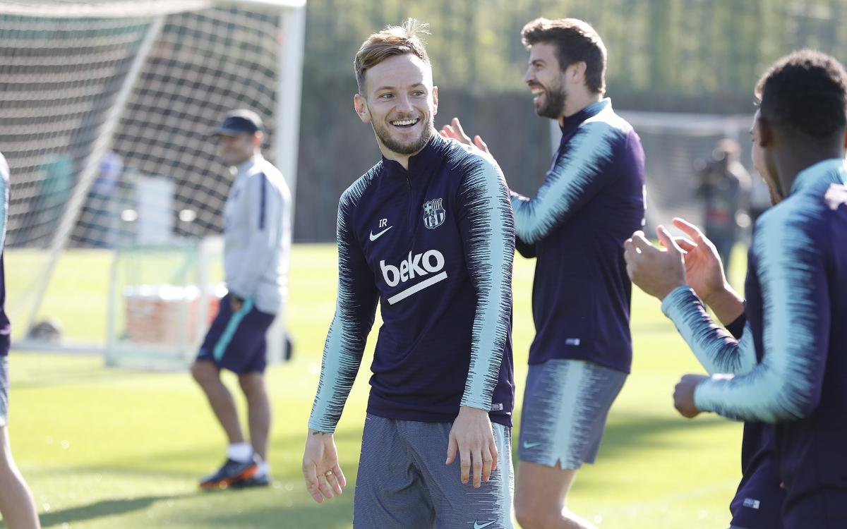 Return to training with Rakitic