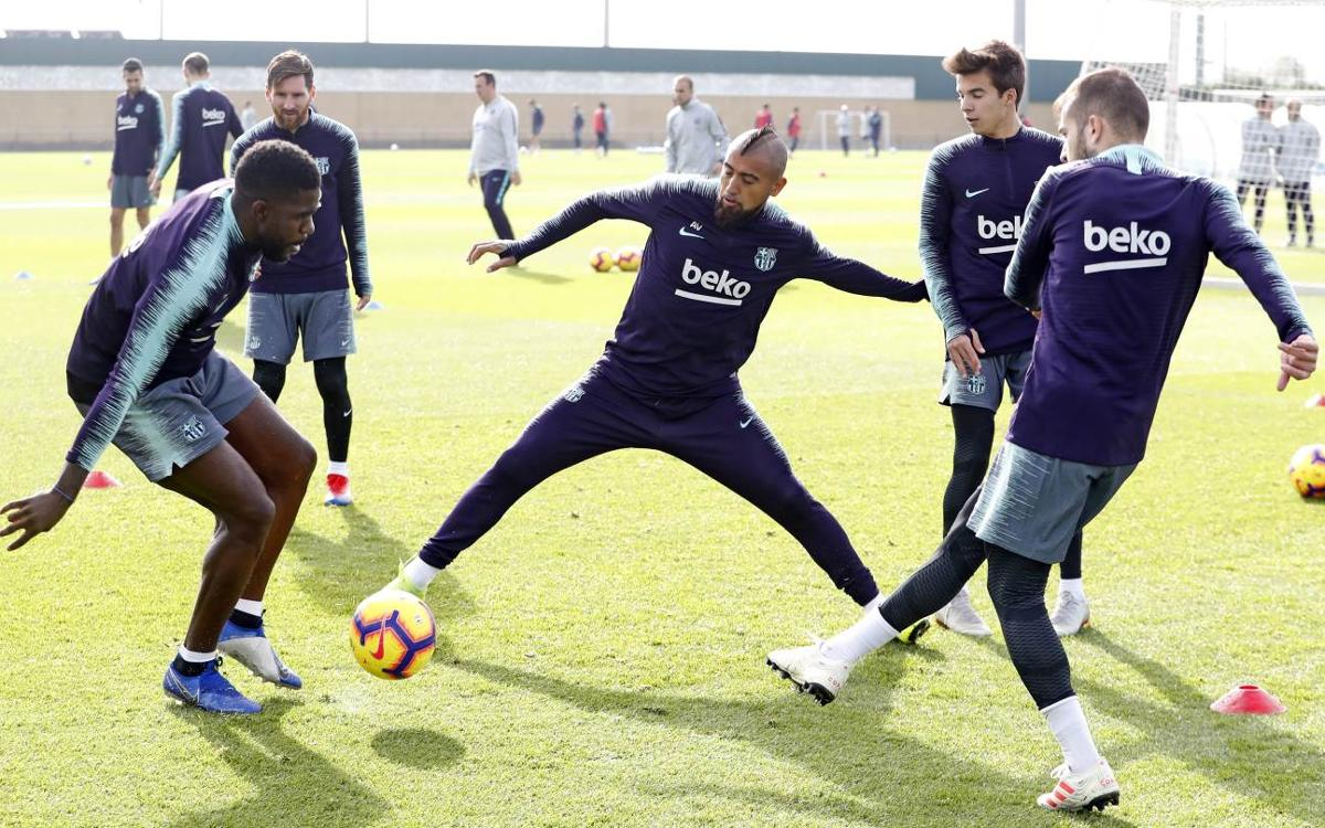 All the internationals back at training