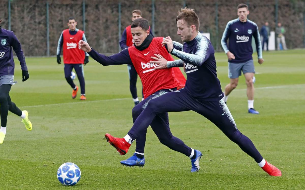 Rakitic and Coutinho in squad for PSV Champions League clash