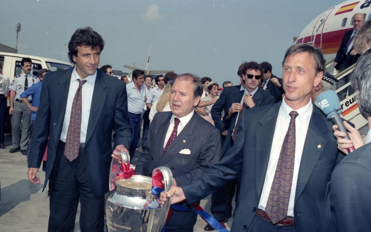 El 20 de mayo de 1992 el FC Barcelona alcanzó en Wembley la primera Copa de Europa de su historia. Un día después, el equipo aterrizaba en Barcelona con la 'orejona' bajo el brazo.