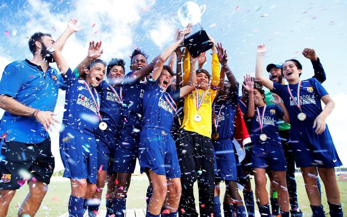 Belletti, padrino del Torneo Barça Academy Las Américas Cup más grande de la historia