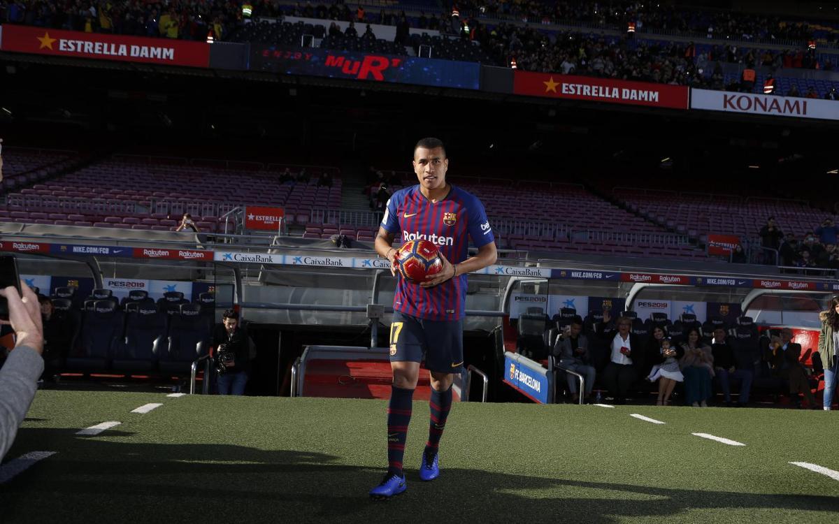 تقديم جيسون موريللو لاعب جديد في صفوف نادي برشلونة Mini__R5I8159