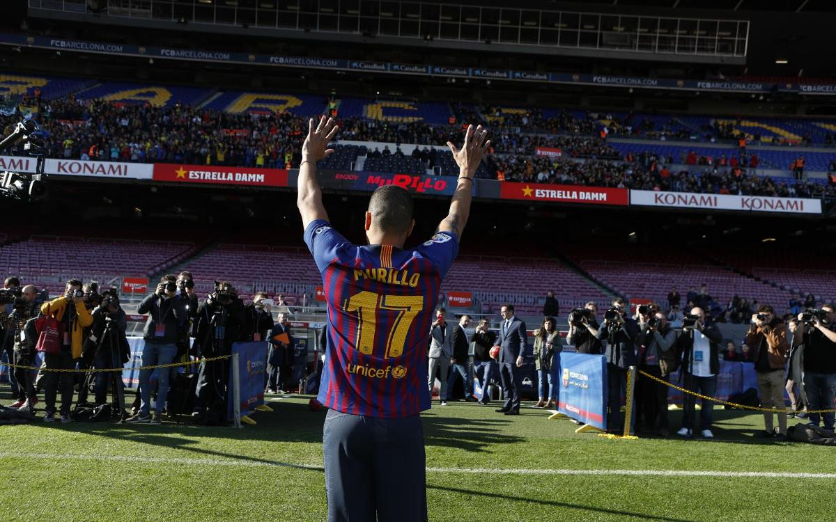 تقديم جيسون موريللو لاعب جديد في صفوف نادي برشلونة Mini__R5I8209