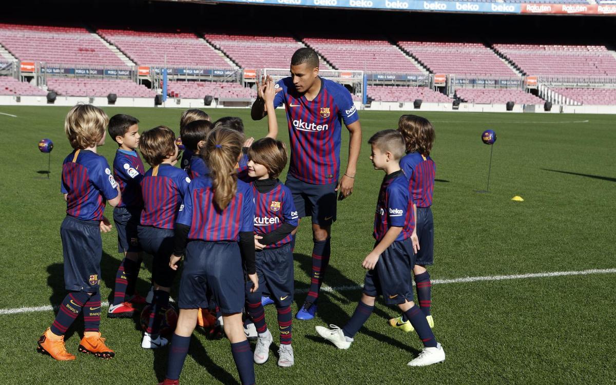 تقديم جيسون موريللو لاعب جديد في صفوف نادي برشلونة Mini_2018-12-27-MURILLO-132