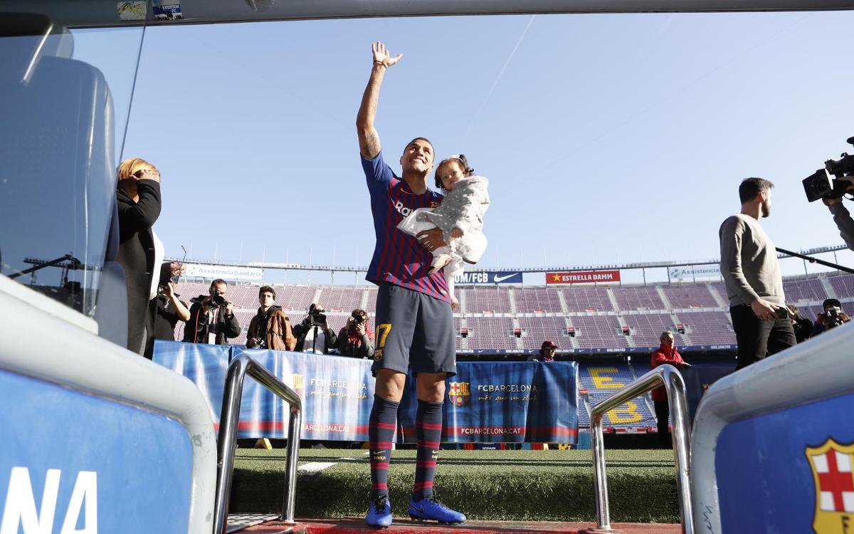تقديم جيسون موريللو لاعب جديد في صفوف نادي برشلونة Mini__R5I8213