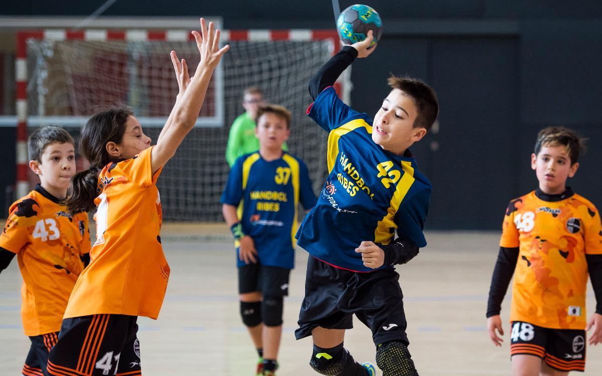 Éxito organizativo y de participación, del Torneo Alevín de Navidad del Barça de balonmano