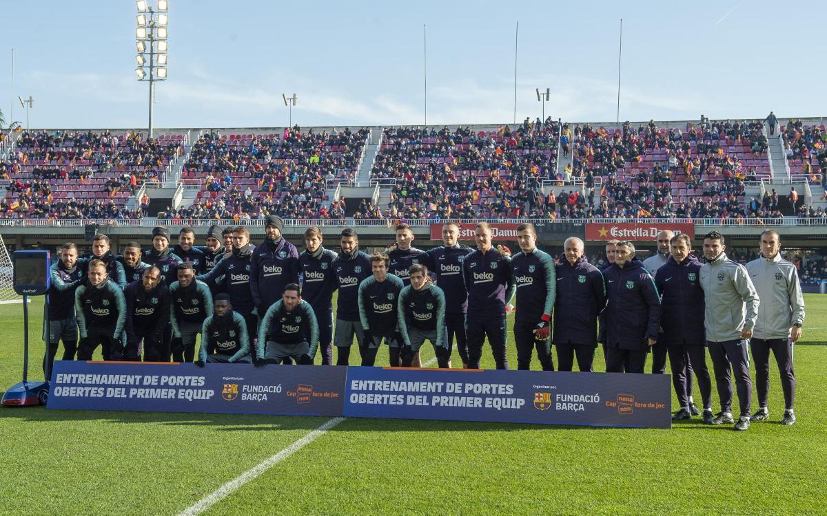 نجوم برشلونة في تدريب مفتوح للجماهير Mini_2019-01-04_ENTRENAMENTPORTESOBERTES_17