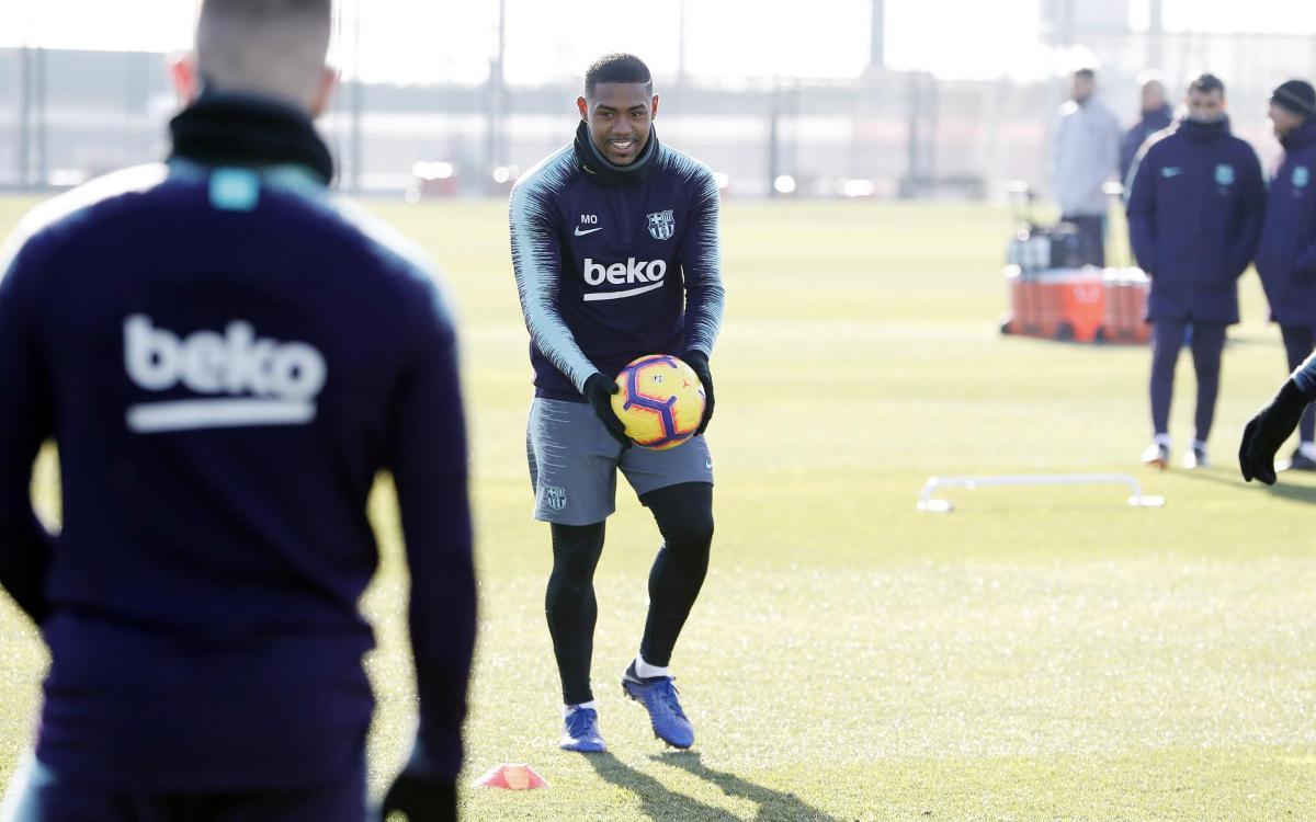 تدريبات برشلونة 05-01-2019 Mini_2019-01-05-MIGUEL-RUIZ-ENTRENO-22