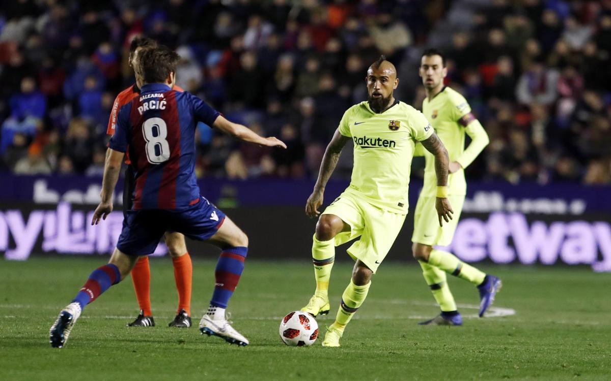 صور مباراة : ليفانتي - برشلونة 2-1 ( 10-01-2019 ) Mini_2019-01-10-MIGUEL-RUIZ-LEVANTE-BARCELONA-18