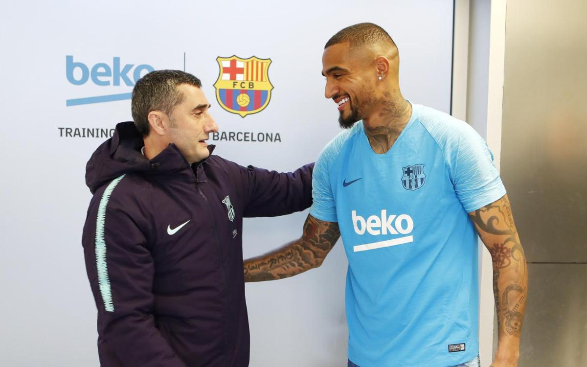 Kevin-Prince Boateng meets his new team-mates