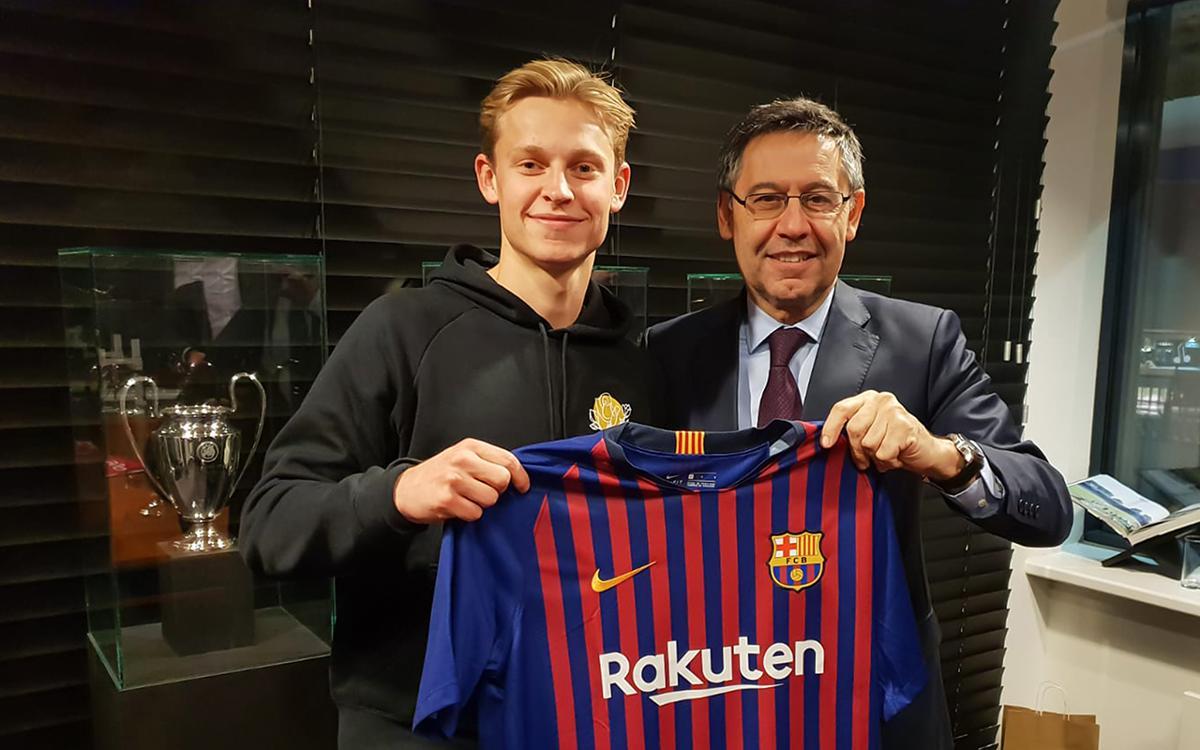 De Jong, amb el president Bartomeu