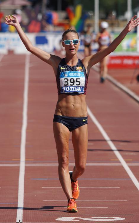 Raquel González: campeona, récord de España y líder mundial de los 50 kilómetros marcha (04:11:01)