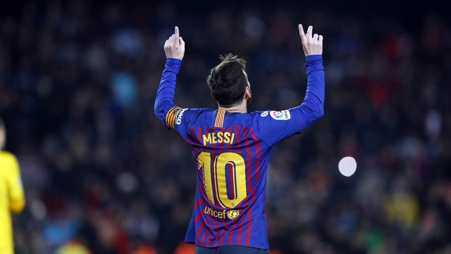 Messi hot on Xaxi's tail