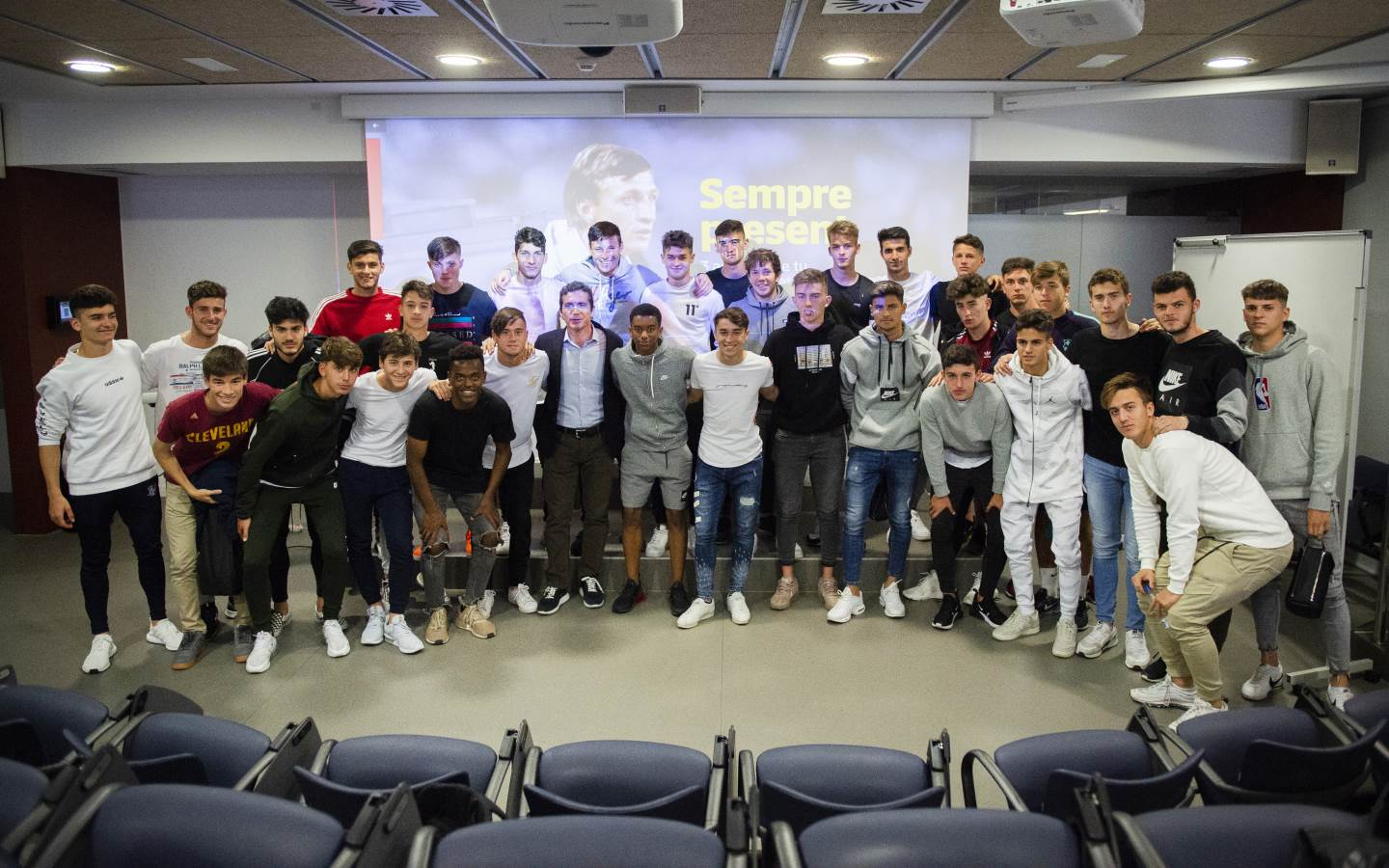 La Masia youth teams learn about Johan Cruyff