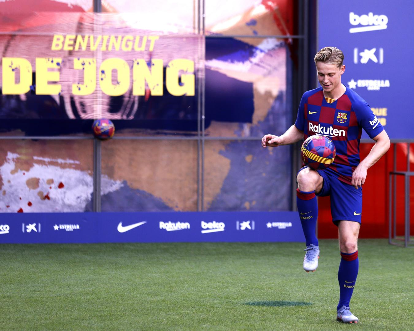 De Jong: 'The decision to come to FC Barcelona was very easy'